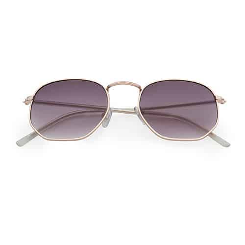 Trendy zonnebril hoeken zwarte lenzen